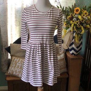 Skater dress white w maroon stripes 3/4 sleeves